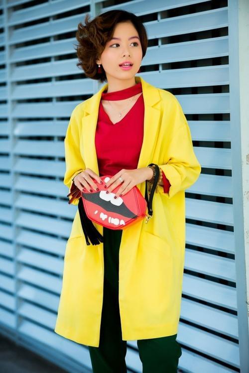 Phụ kiện luôn là yếu tố quan trọng giúp bộ trang phục trông thời thượng và có điểm nhấn hơn.