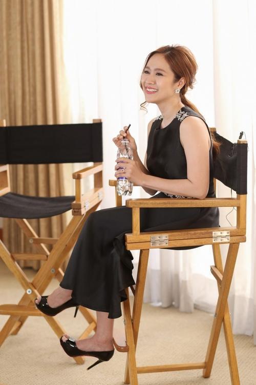 """Nhà sản xuất phim """"Taxi, em tên gì?"""" chia sẻ, việc được xuất hiện trên chương trình """"Spicy Vietnam"""" của kênh truyền hình Australia khiến cô cảm thấy rất thú vị, vì sắp tới đây, một trong ba bộ phim do chính cô làm nhà sản xuất sẽ được công chiếu tại xứ sở chuột túi."""