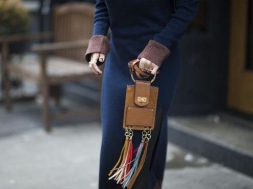 Sử dụng hầu hết những gam màu trầm, túi Jane vẫn toát lên vẻ phóng khoáng và trẻ trung.