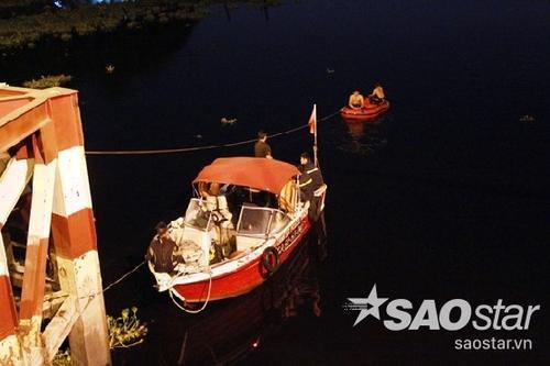 Lực lượng cứu hộ trắng đêm tìm kiếm thi thể đôi tình nhân nhảy cầu An Lộc tự tử.