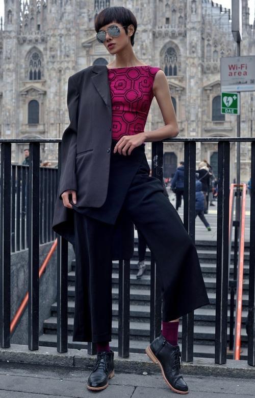 Hà Kino trong trang phục của I Hate Fashion - một thương hiệu thời trang của Việt Nam.