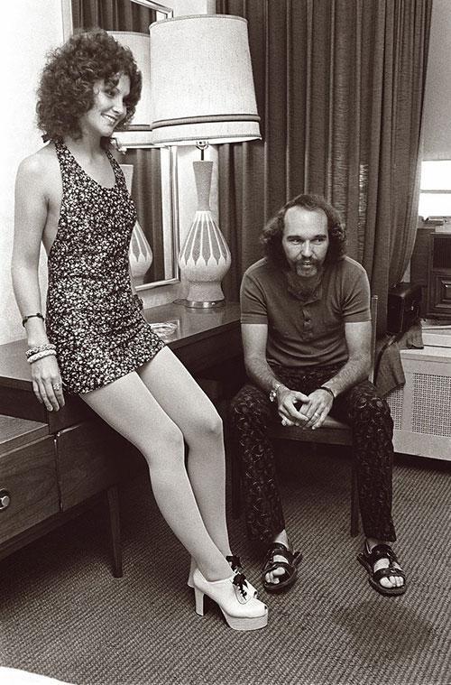 Linda Lovelace và người chồng đầu tiên Chuck Traynor.
