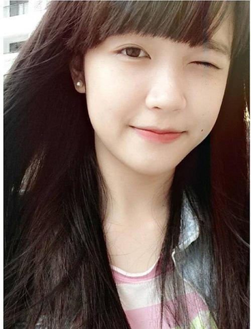 Hoàng Thị Minh Tâm được biết đến với nick name Tâm Xíu. Cô được cư dân mạng biết đến với điệu cười nháy mắt được truyền tay nhau trên fanpage Robbey đã thu hút hút gần 10 nghìn lượt like của cư dân mạng,