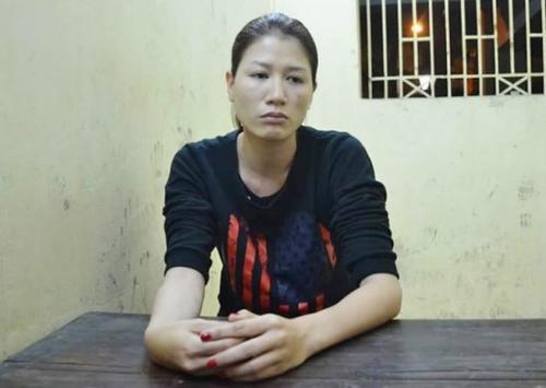 Trang Trần đã tỏ rõ thái độ ân hận, và viết kiểm điểm xin lỗi lực lượng chức năng, người hâm mộ tại trụ sở công an quận Hoàn Kiếm - Hà Nội.