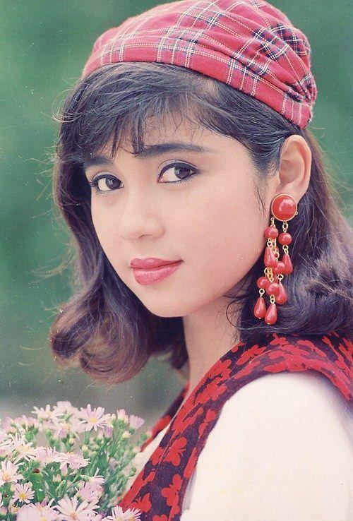 Nhan sắc đình đám một thời của Việt Trinh.