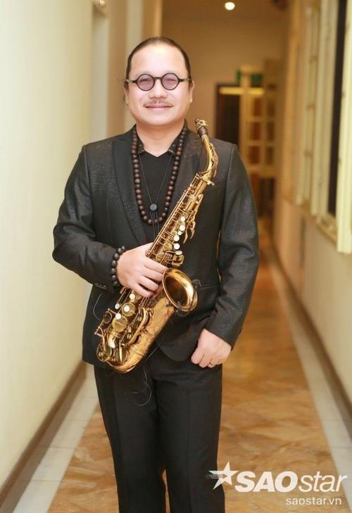 Nghệ sĩ Saxophone Trần Mạnh Tuấn cũng có mặt tại sự kiện.