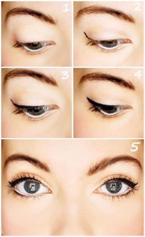 Nếu quá bận rộn, chỉ cần kẻ liner trắng mở mí mắt dưới, sau đó kẻ eyeliner từ đuôi mắt, kéo lên hết 1/3 mí mắt, thêm chút mascara thôi đã đủ rạng ngời cho các nàng rồi.