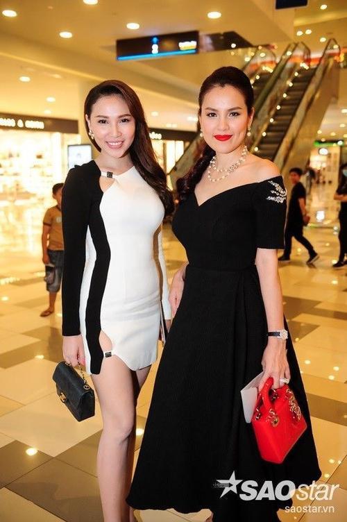 Người mẫu Quỳnh Thư vừa mở một cửa hàng mỹ phẩm.
