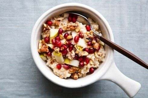 pomegranate-walnut-oatmeal-640-7dc71-490x326