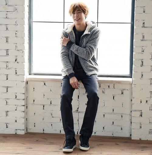 Lee Hyun Woo với vẻ ngoài trẻ con khiến nhiều fan LGBT ngây ngất