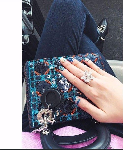 Túi Dior Lady phiên bản hạn chế tuyệt đẹp và sang chảnh.