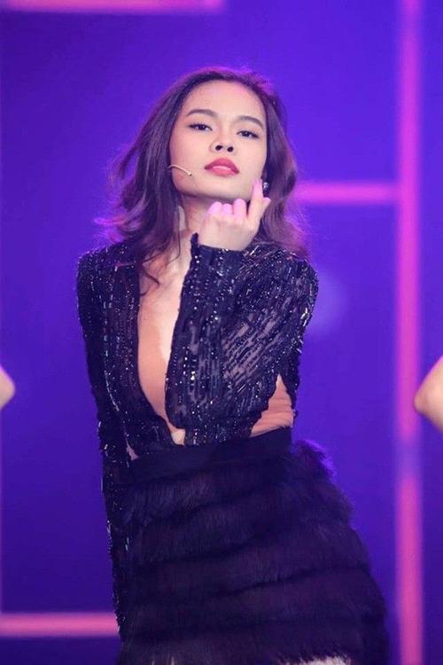 Giang Hong Ngoc (21)