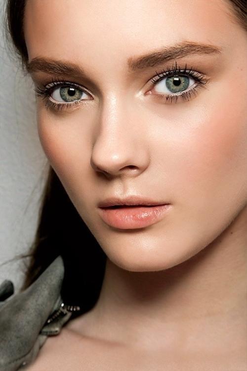 'Bỏ túi' 5 bí kíp make up giúp đôi mắt thêm to tròn