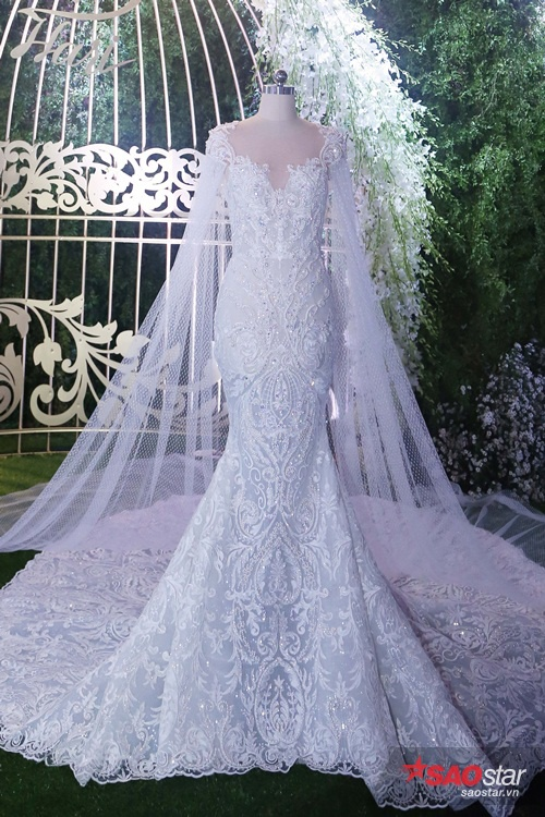 Hai bộ váy cưới của cô dâu Hari Won.