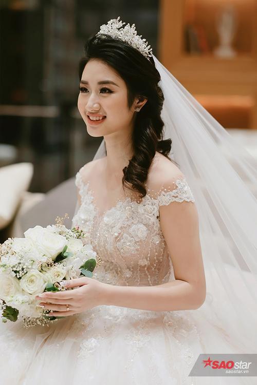 Đăng quang ngôi vị Hoa hậu Bản sắc Việt toàn cầu được hơn 5 tháng, Thu Ngân quyết định lên xe hoa ở tuổi 21.