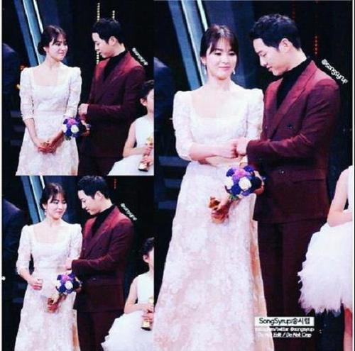 """Lại là một cái """"đóng tay"""" nữa tại buổi lễ trao giải KBS Drama Awards 2016 diễn ra vào tối ngày 31/12/2016 vừa qua."""