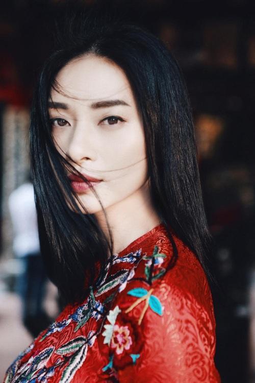 'Nức mũi' khi loạt nghệ sĩ Việt được báo ngoại so sánh với sao quốc tế