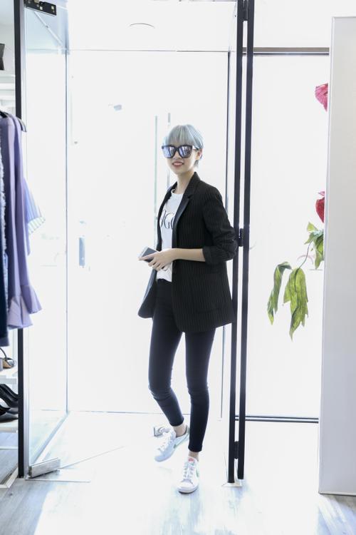 Những lý do khiến fan thời trang 'hóng' show ra mắt BST của Angela Phương Trinh