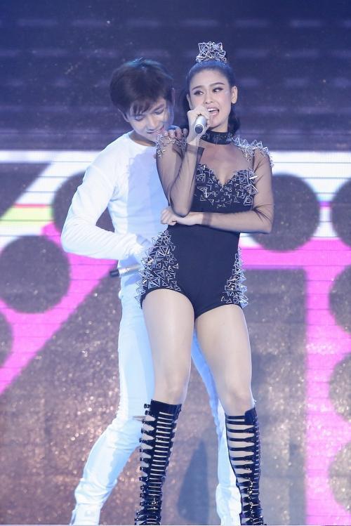 Trương Quỳnh Anh sẵn sàng lên sân khấu tiếp sức cho ông xã Tim trong chương trình The Remix.