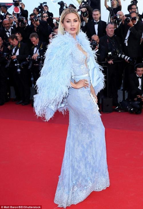Rihanna chiếm thế thượng phong tại thảm đỏ Cannes ngày thứ 3