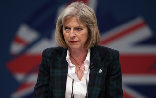 Thủ tướng Anh cam kết bố trí nhà ở mới cho người dân chung cư bị cháy