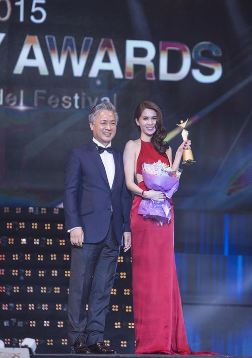 Sau Ngọc Trinh, Tim trở thành đại diện Việt Nam nhận giải 'Asia Model Awards 2017' ở Hàn Quốc