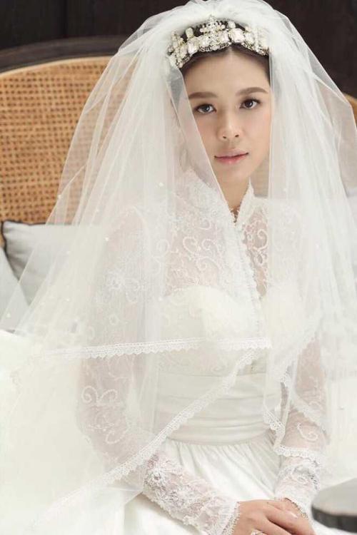 'Soái ca thời sự VTV' lấy vợ - nữ nhà văn xinh đẹp trẻ hơn 10 tuổi! - ảnh 3