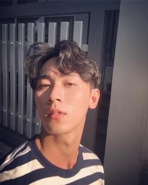 Chàng trai được Min 'cầu hôn' khuấy đảo cộng đồng mạng với 'góc nghiêng thần thánh' - ảnh 9