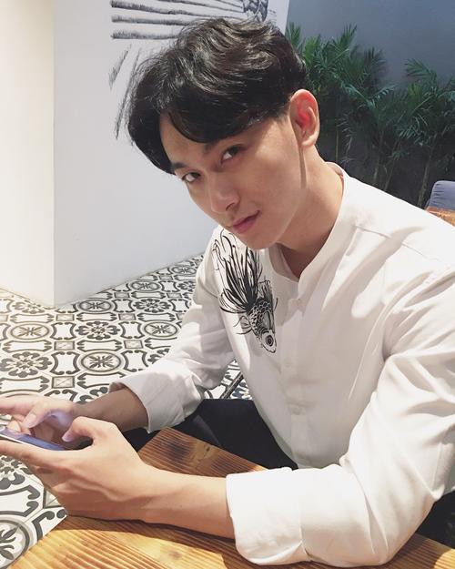 Chàng trai được Min 'cầu hôn' khuấy đảo cộng đồng mạng với 'góc nghiêng thần thánh' - ảnh 10