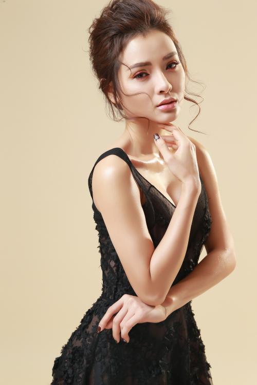 """Phương Trinh Jolie: """"Nếu yêu thương là chuyện một người thì hãy dũng cảm bỏ đi!"""""""
