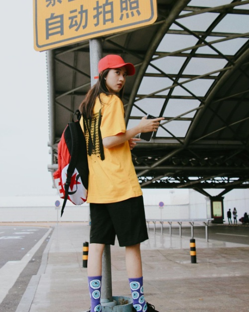 18 tuổi, nữ sinh Singapore nổi tiếng khắp châu Á với danh xưng 'Hot girl quả táo'