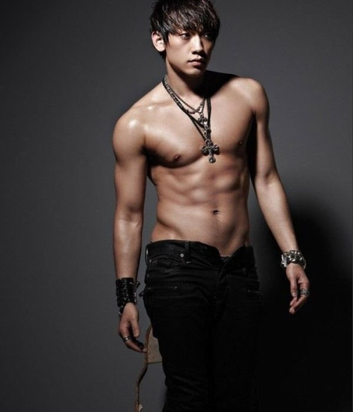Bi Rain ấn định ngày trở lại 'đường đua' âm nhạc sau khi kết hôn cùng Kim Tae Hee