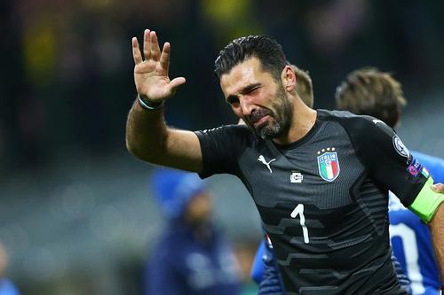 Italia ngồi nhà xem World Cup: Khi nhà cựu VĐTG bị mắc nghẹn bởi món 'đặc sản' trứ danh - Ảnh 2.