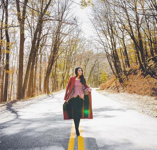 Cô gái gốc Việt lọt vào danh sách những cô gái có tài khoản Instagram 'đắt' nhất thế giới - ảnh 2