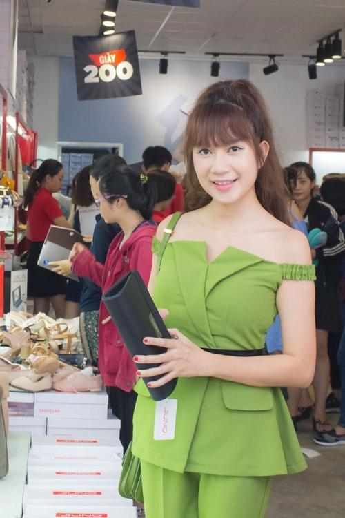 Dàn sao Việt 'rần rần' xếp hàng mua sản phẩm JUNO