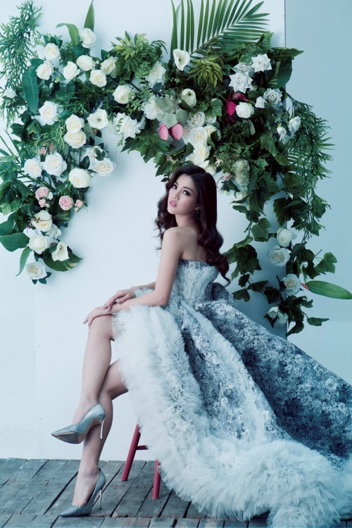 Ứng viên Hoa hậu Hoàn Vũ hoá thân với style hoa hậu để ngang tầm Hoàng Thuỳ