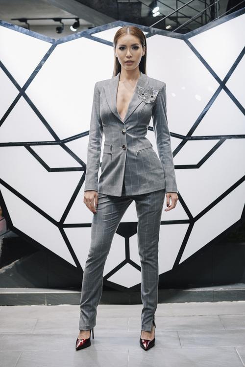 Cách diện menswear của 'trùm vest' Thanh Hằng, Minh Tú đang được mỹ nhân Vbiz ứng d - ảnh 4