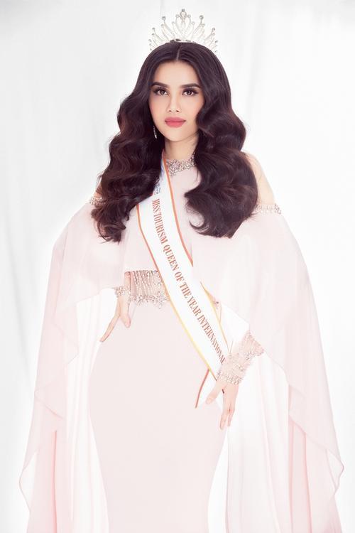 Cùng diện váy pastel, Võ Hoàng Yến 'dìm hàng' trang phục, Diệu Thuỳ trông ngọt n - ảnh 3