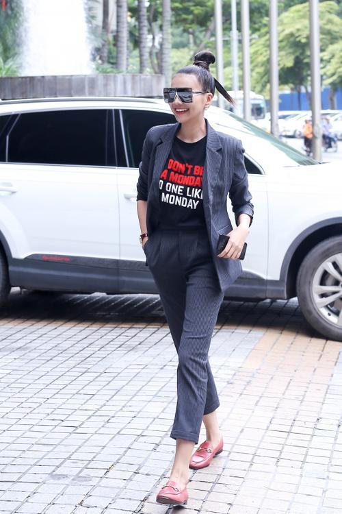 Không chỉ thần tượng, Đồng Ánh Quỳnh còn là bản sao phong cách menswear của Thanh Hằng - ảnh 1