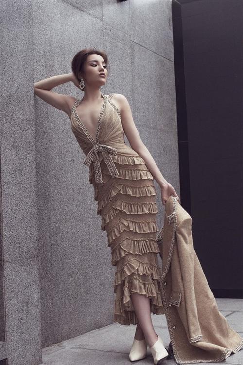 Á hậu Thuý Vân kém sắc hơn hẳn khi 'mặc lại' thiết kế của Kỳ Duyên, Hari Won - ảnh 2