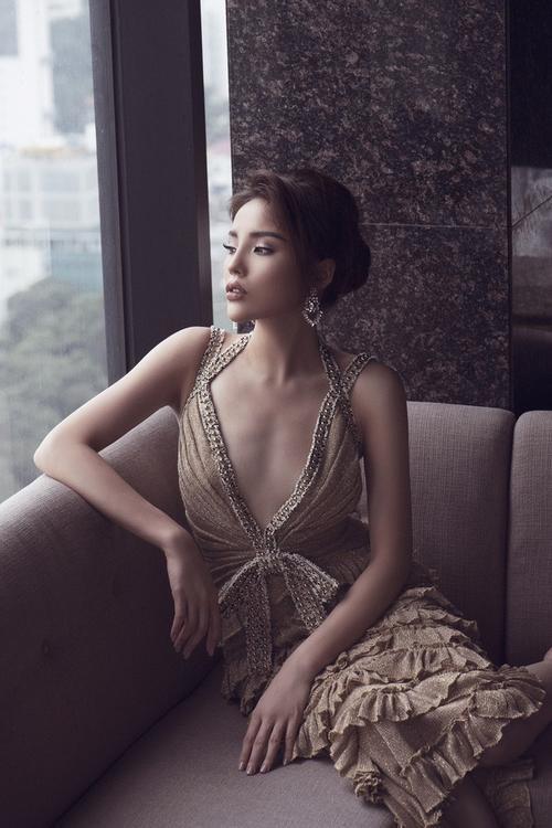 Á hậu Thuý Vân kém sắc hơn hẳn khi 'mặc lại' thiết kế của Kỳ Duyên, Hari Won - ảnh 3