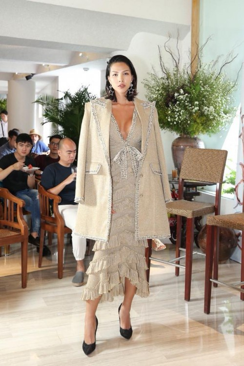 Á hậu Thuý Vân kém sắc hơn hẳn khi 'mặc lại' thiết kế của Kỳ Duyên, Hari Won - ảnh 6