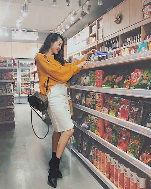 Sơn Tùng M-TP - Quỳnh Anh Shyn gây sốt: với loạt items hàng hiệu chất ngất ngây