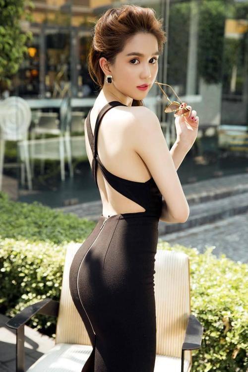 Vuột danh hiệu Vòng eo 56, Ngọc Trinh vẫn là mỹ nữ khoe lưng gợi cảm nhất Vbiz - Ảnh 13.