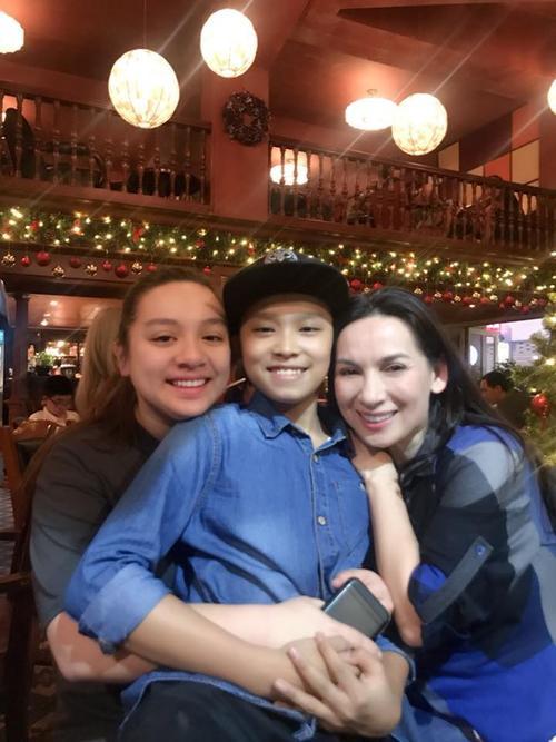 Con gái ruột Wendy Phạm lần đầu về Việt Nam đón Giáng sinh cùng Phi Nhung - ảnh 3
