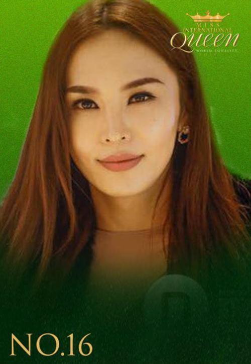 Hương Giang Idol thật lợi hại khi 'lấn át' cả dàn thí sinh Hoa hậu chuyển giới Quốc tế 2018