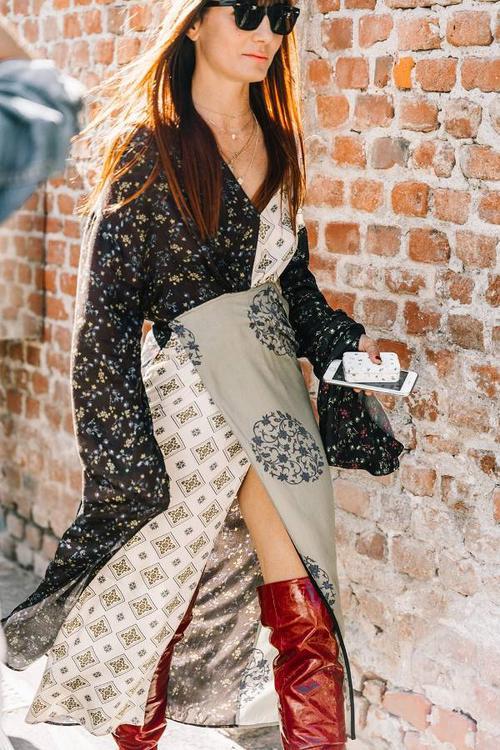 red boots outfits 246527 1515691613587 image 600x0c - Hà Hồ, Kỳ Duyên nên cất những đôi boots đen vào tủ, sắm boots cao bất tận màu nổi là vừa!