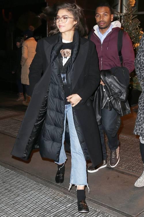 outfits with flats 246948 1516223567878 image 500x0c 1 - Phạm Hương, Kỳ Duyên đã cất giày cao vời vợi vào tủ… để tậu mốt giày Selena Gomez mê mẩn