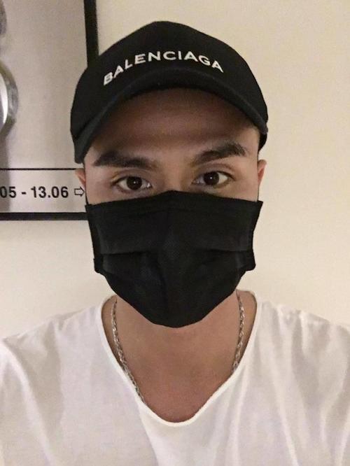 Hoang Thuy Linh - Vinh Thuy doi mu cap don Valentine som?