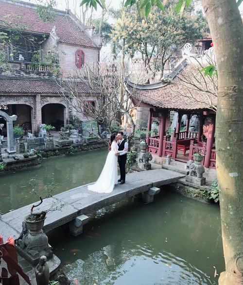 Ảnh cưới của Khắc Việt và hotgirl DJ